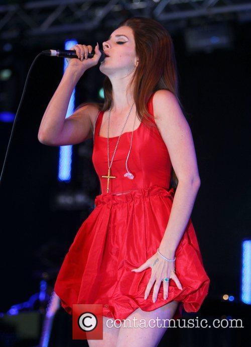Lana Del Rey 30