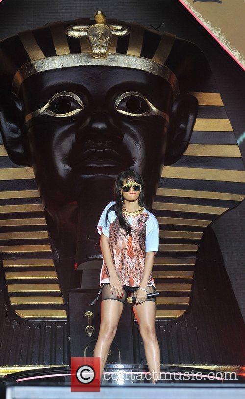 Rihanna 63