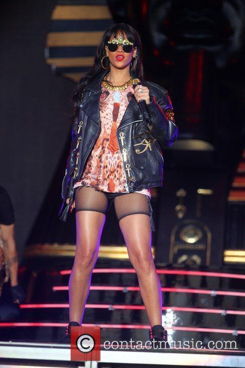 Rihanna 78