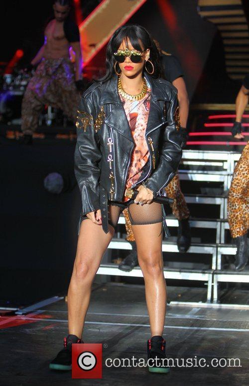 Rihanna 88