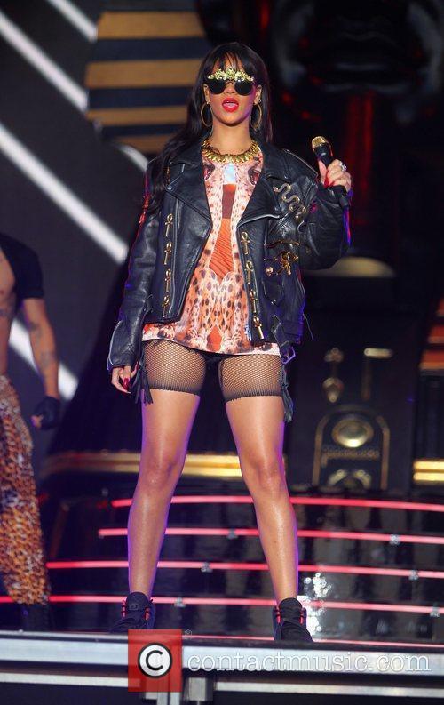 Rihanna 94