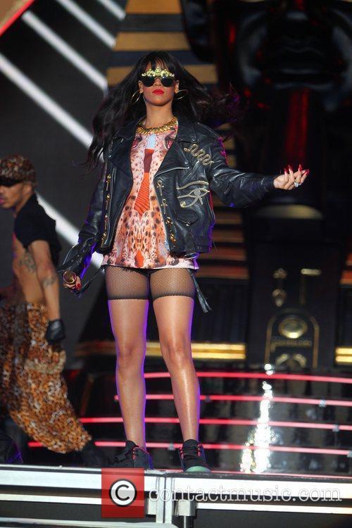 Rihanna 95