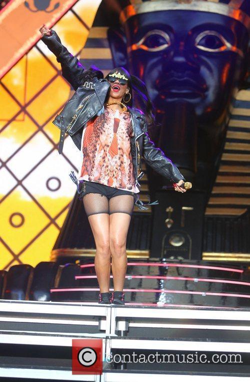 Rihanna 104