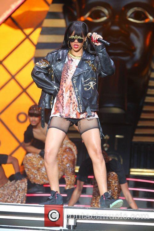 Rihanna 108