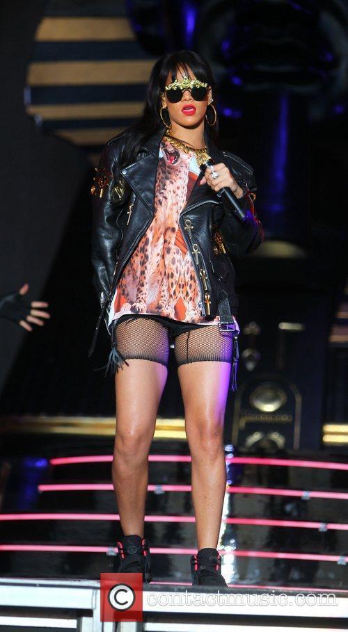 Rihanna 109