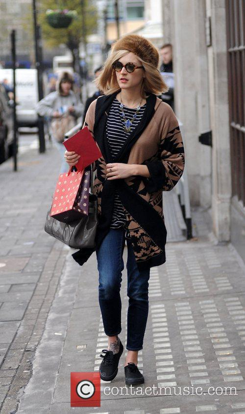 fearne cotton outside the bbc radio 1 3659613