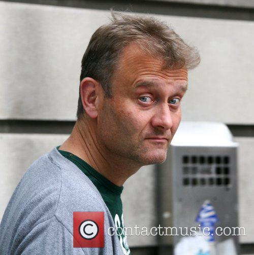 Hugh Dennis leaves Radio 2