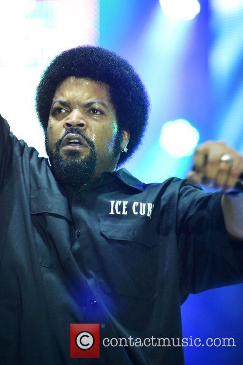 ice cube performs at the radio one 5875521