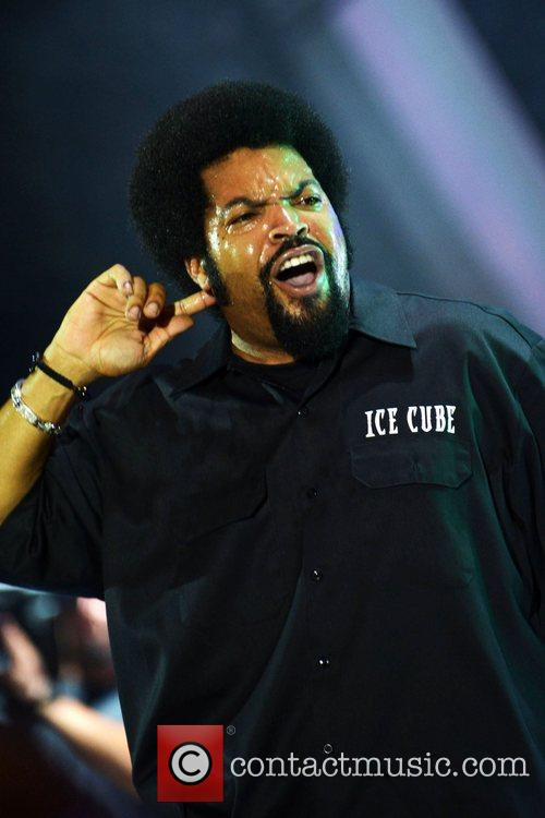 ice cube performs at the radio one 5875526