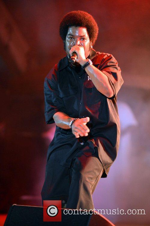 ice cube performs at the radio one 5875531