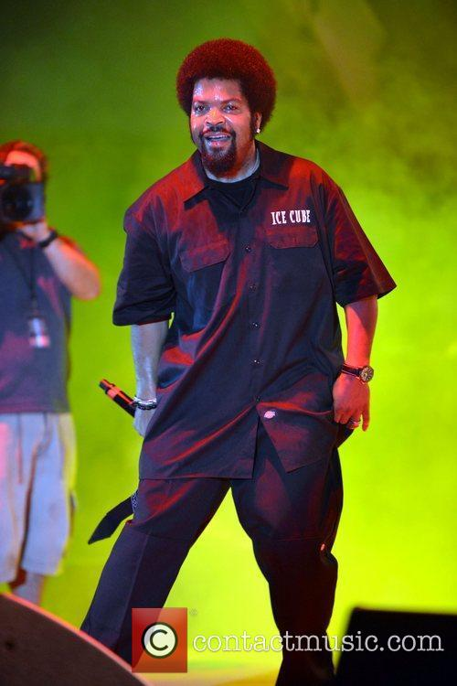ice cube performs at the radio one 5875534