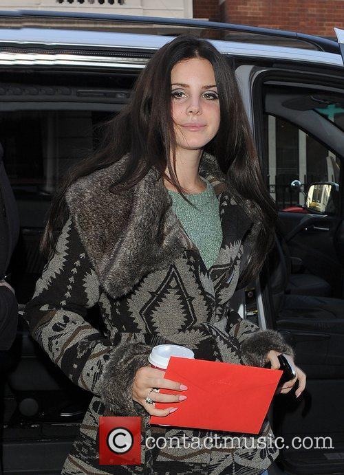 Lana Del Rey, Radio and Studios 4