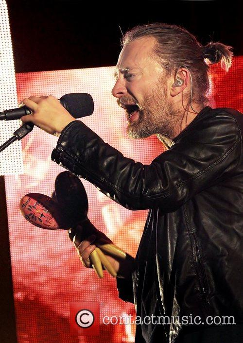 thom yorke radiohead performing live at manchester 5928554