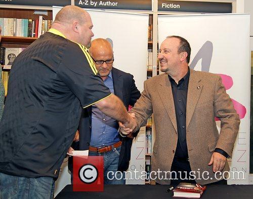 Former Liverpool FC manager Rafa Benitez meets a...