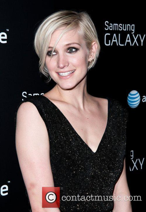 Ashlee Simpson Samsung and AT&T, hosted by rag...