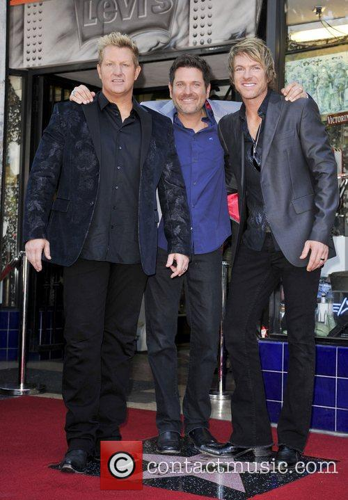 Gary LeVox, Jay DeMarcus, Rooney and Star On The Hollywood Walk Of Fame 1