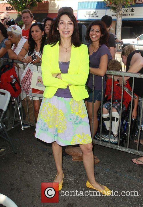Illeana Douglas and Star On The Hollywood Walk Of Fame 3