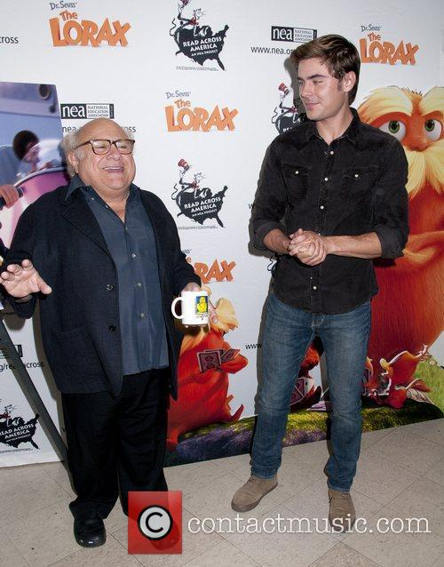 Danny Devito and Zac Efron 4