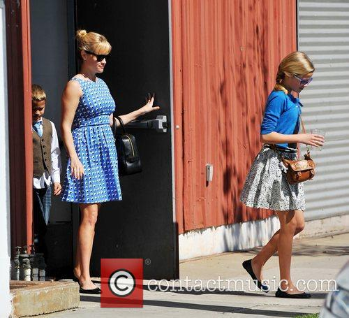 Reese Witherspoon and Ava Phillippe 3