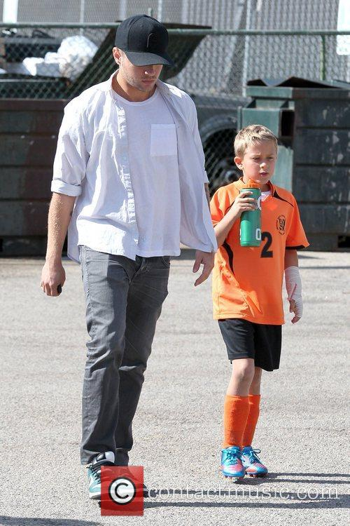 Ryan Phillippe and Deacon Phillippe 5