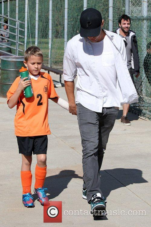 Ryan Phillippe and Deacon Phillippe 1