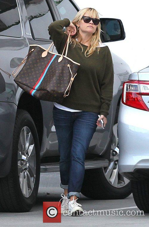 Reese Witherspoon visits the Pacific Coast Sports Medicine...