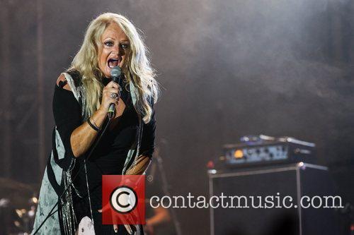 Bonnie Tyler chosen for Eurovision