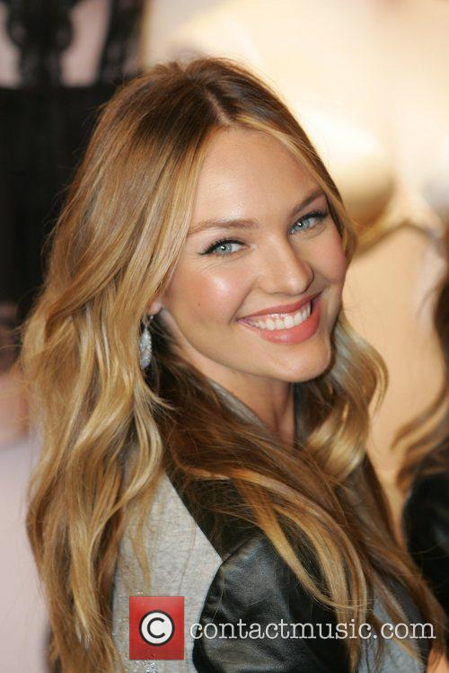 Candice Swanepoel, Victoria's Secret Angel Holiday, Celebration and Herald Square 2
