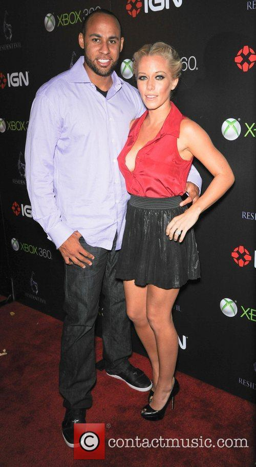 Hank Baskett and Kendra Wilkinson 5
