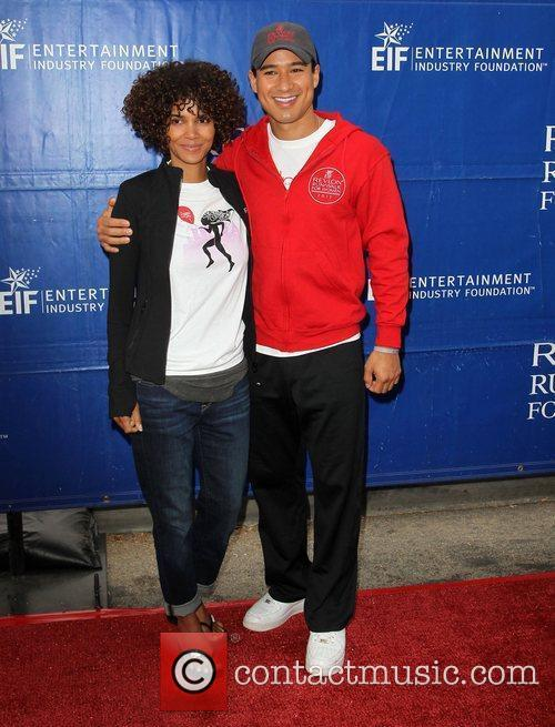 Mario Lopez and Halle Berry 1
