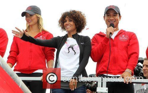 Stacy Keibler, Halle Berry and Mario Lopez 3