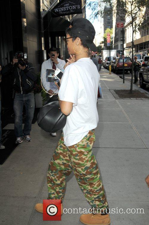 Rihanna and Manhattan 5