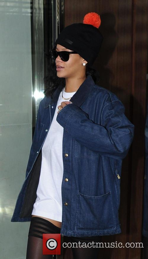 Rihanna and X Factor' Results Show 4