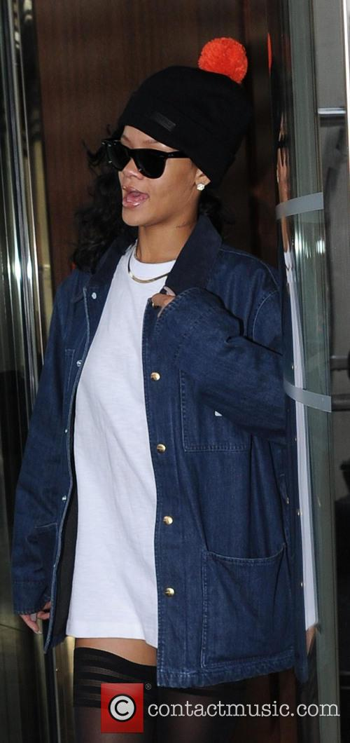 Rihanna and X Factor' Results Show 1