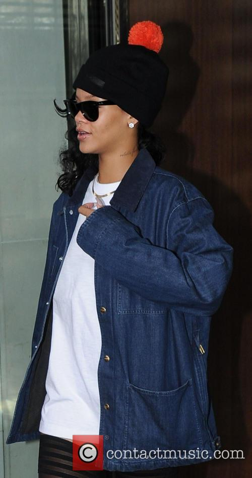 Rihanna and X Factor' Results Show 7
