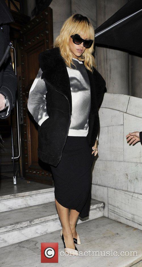 Leaving her Aura in Mayfair