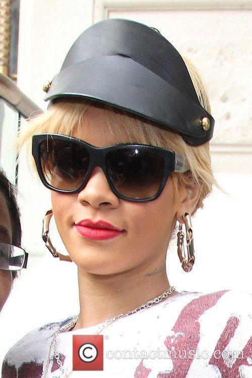 Rihanna 17