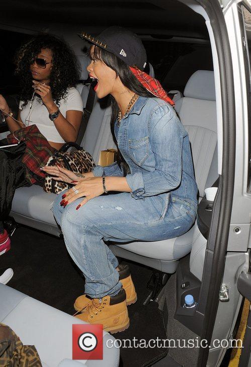 Rihanna 24
