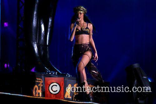 rihanna performing at peace and love festival 3970917