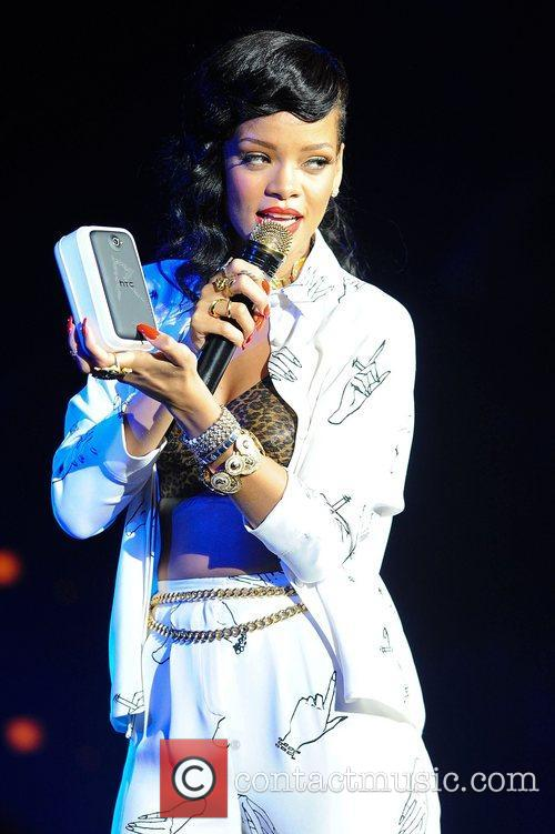 Rihanna at The Forum 19/11/12