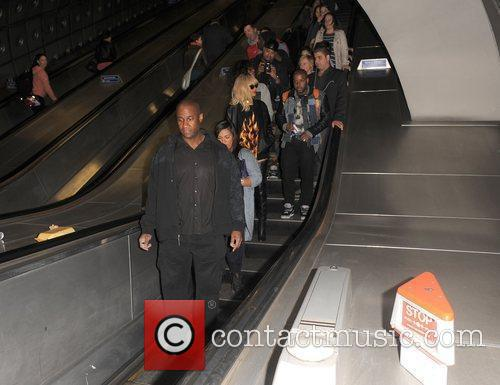 Rihanna, Drake, Traffic and O2 Arena 7