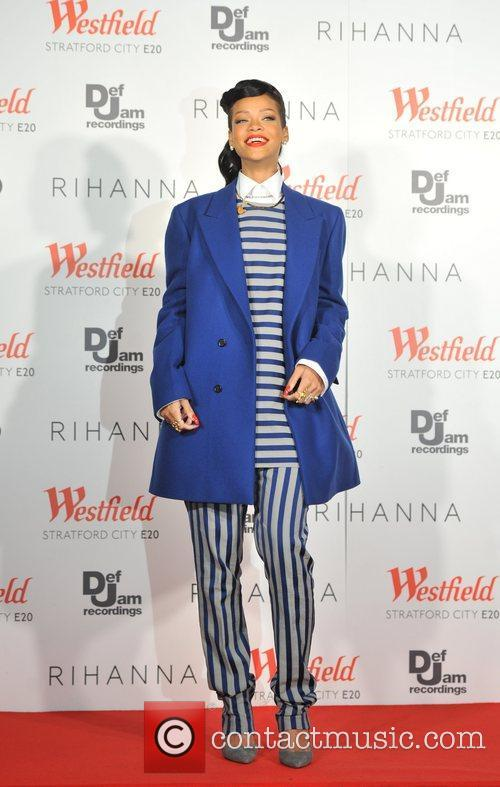 Rihanna switches on the Christmas lights at Westfield...