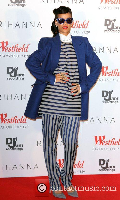 Rihanna, Christmas and Westfield Stratford 11