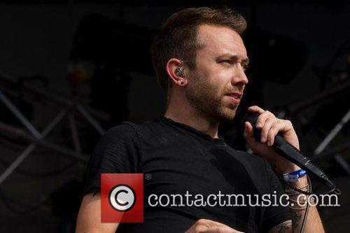 tim mcilrath of rise against performing live 3967843