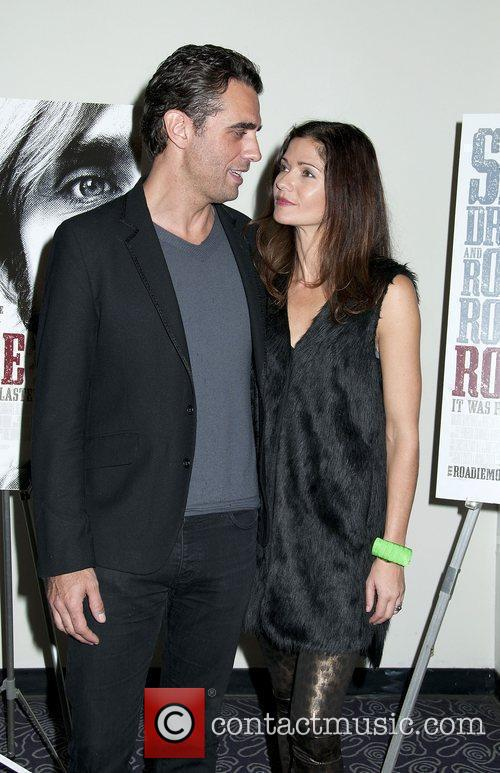 Jill Hennessy and Bobby Cannavale 9