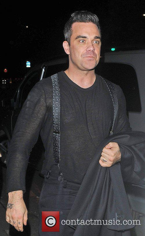 Robbie Williams, Oxford Street and Grosvenor House Hotel 7