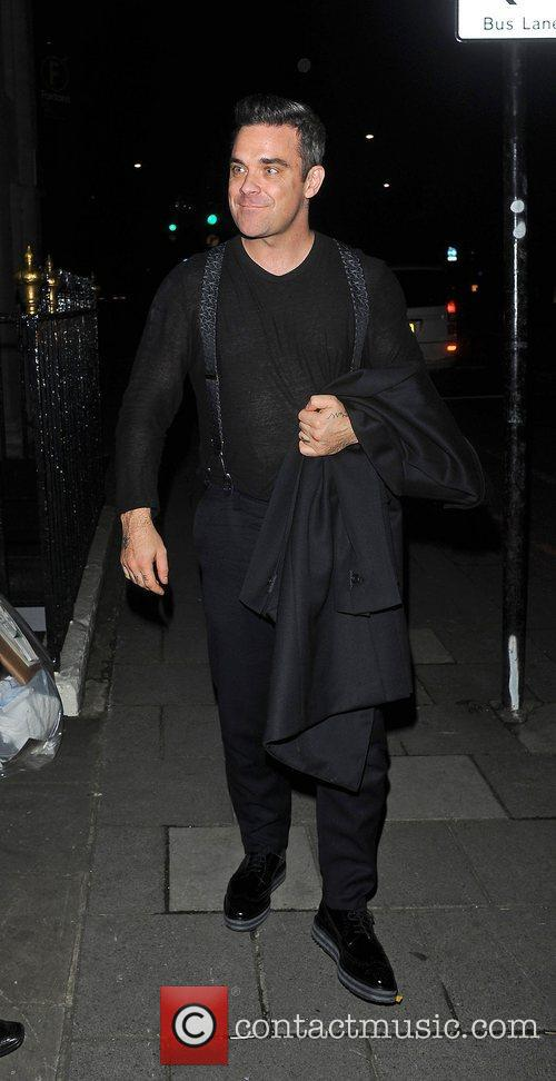 Robbie Williams, Oxford Street and Grosvenor House Hotel 2