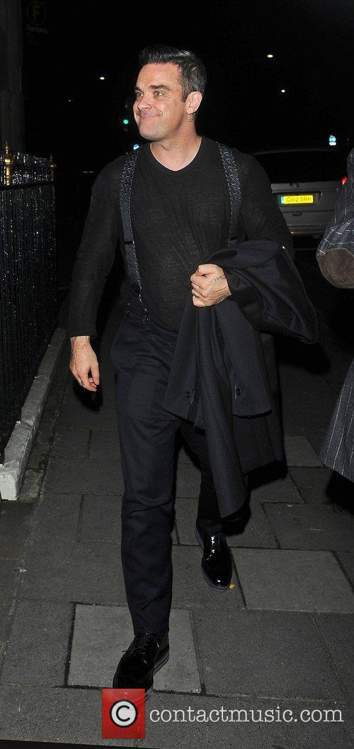 Robbie Williams, Oxford Street and Grosvenor House Hotel 8