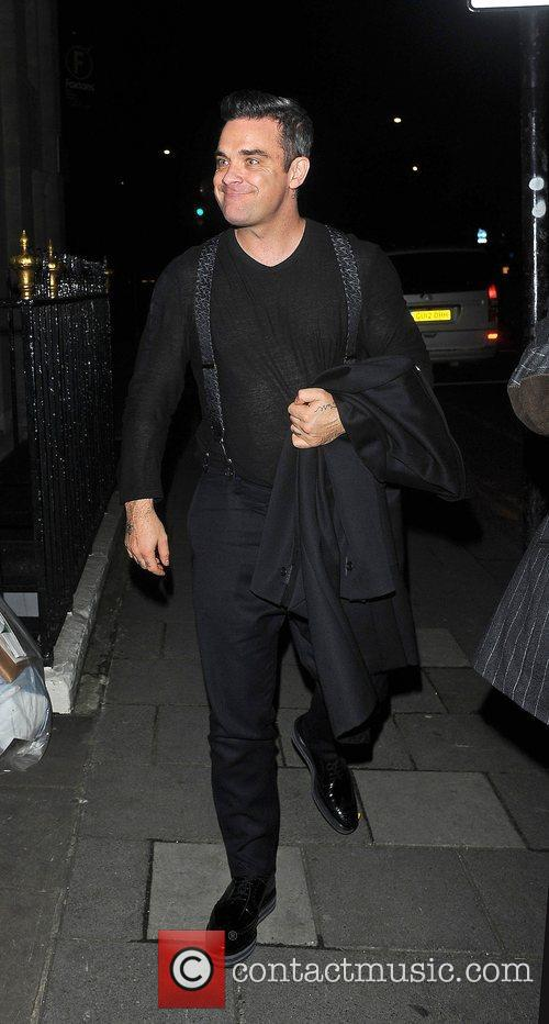 Robbie Williams, Oxford Street and Grosvenor House Hotel 5