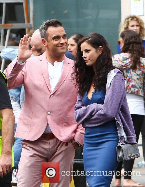 Robbie Williams and Kaya Scodelario 7